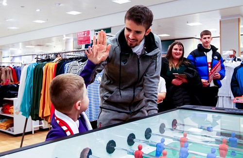 Supporters meet City stars at pop-up store