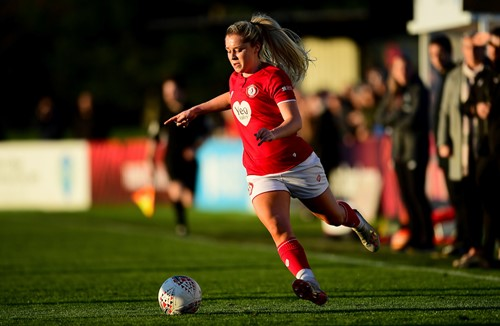 Pattinson and Wellings on duty with Lionesses U21s